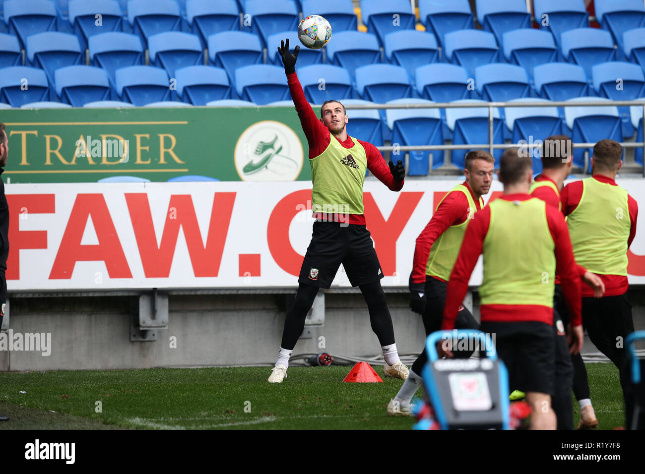Cardiff, Wales, UK. 15th Nov 2018. Gareth Bale of Wales in action during the Wales football squad training at the Cardiff City Stadium in  Cardiff , South Wales on Thursday 15th November 2018.  the team are preparing for their UEFA Nations League match against Denmark tomorrow.   pic by Andrew Orchard/Alamy Live News Stock Photo