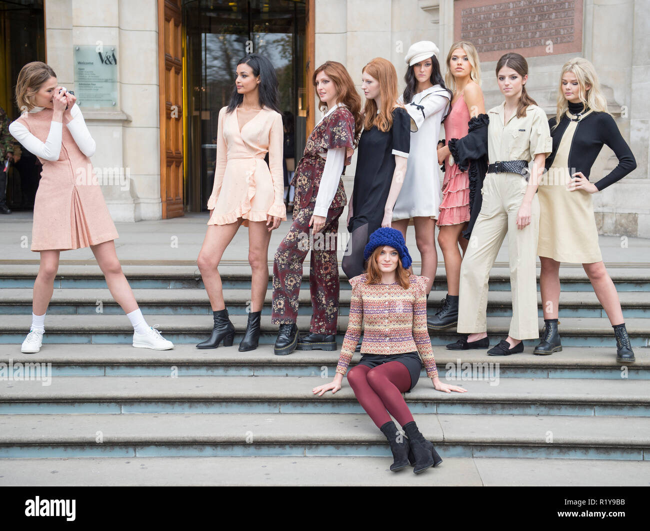 V&A, London, UK. 15 November, 2018. Contemporary models gather to form a Quant revival. The event marks the first time the public are able to purchase tickets for the Mary Quant exhibition opening in 6 April 2019. Models are (not in order): Ella Kitson, Jessica Fuhrmann, Imogen Parker, Fana Dade, Millie Corbould, Vanessa Jobb, Amber Rowan, Alys Phillips. Credit: Malcolm Park/Alamy Live News. - Stock Image