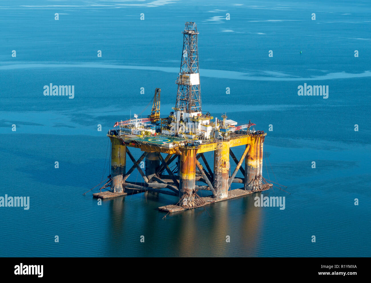 North Sea Oil Rig Stock Photos & North Sea Oil Rig Stock Images - Alamy