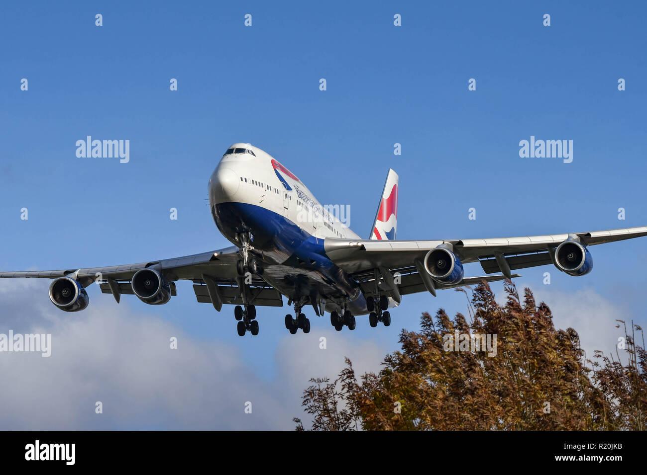 "LONDON, ENGLAND - NOVEMBER 2018: British Airways Boeing 747 ""Jumbo jet"" long haul airliner landing at London Heathrow Airport. Stock Photo"