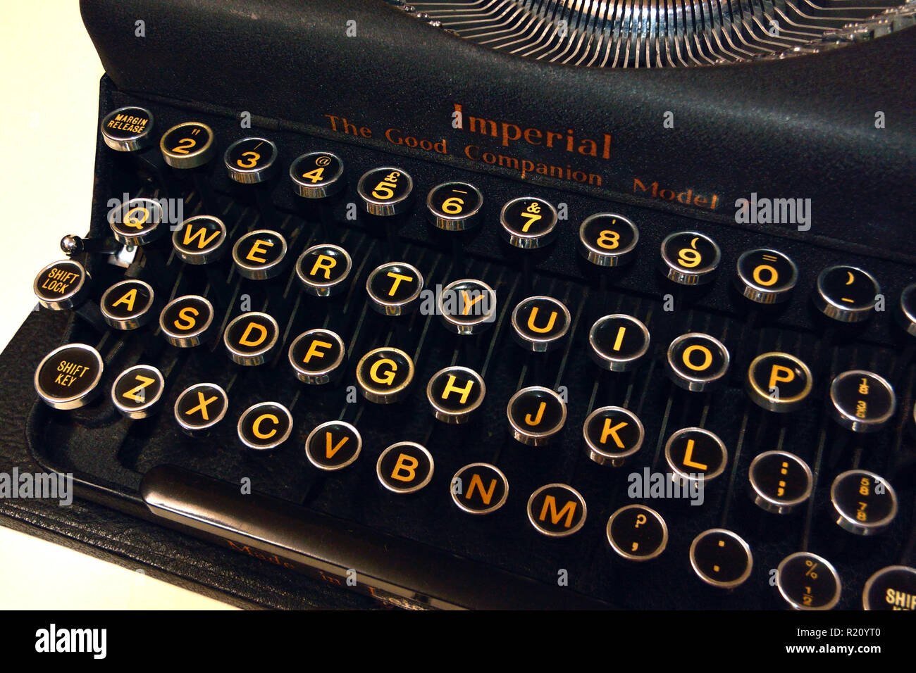 Imperial The Good Companion Model T portable typewriter, 1941 vintage Stock Photo