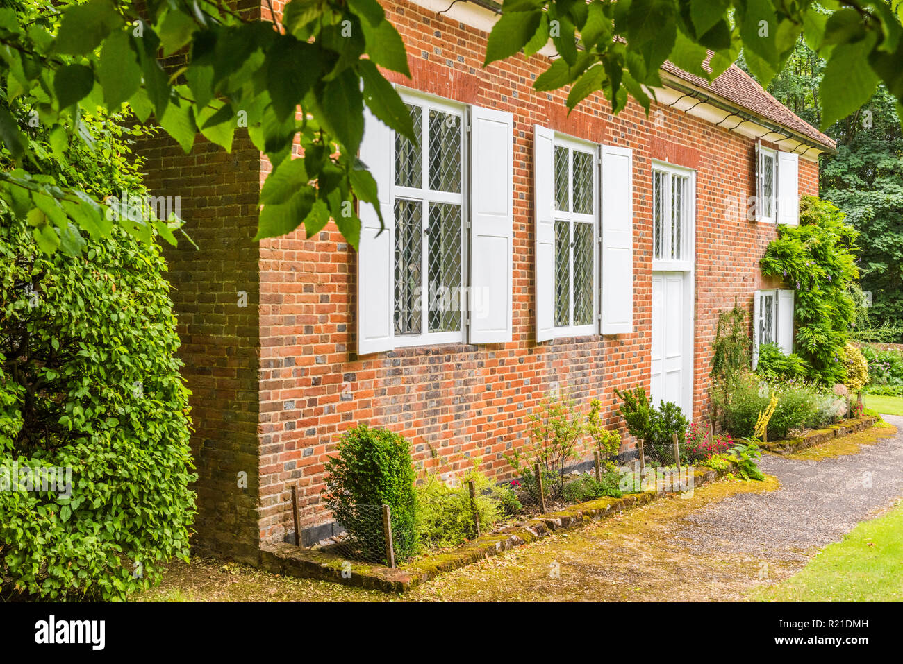 Jordans Friends Meeting House, Buckinghamshire, England. Pennsylvania founder William Penn is buried here. - Stock Image