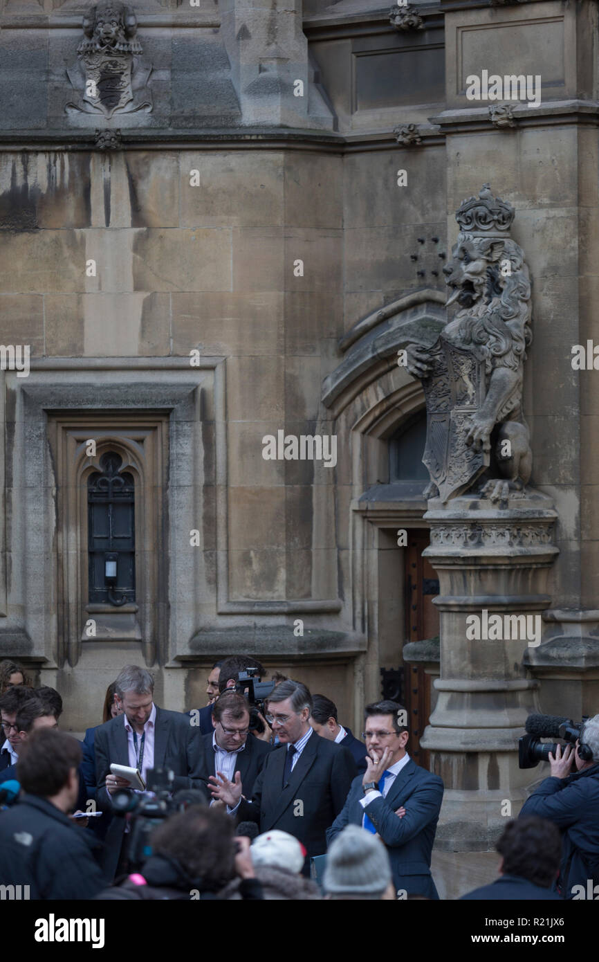 The Brexiteer, Jacob Rees-Mogg MP speaks to reporters outside Parliament to announce that he is sending a letter to the 1922 Committee which may ultimately trigger a vote of no confidence for Prime Minister Theresa May and subsequently, a Tory Party leadership crisis in the midst of failing Brexit negotiations with the EU, on 15th November 2018, in London, England. - Stock Image