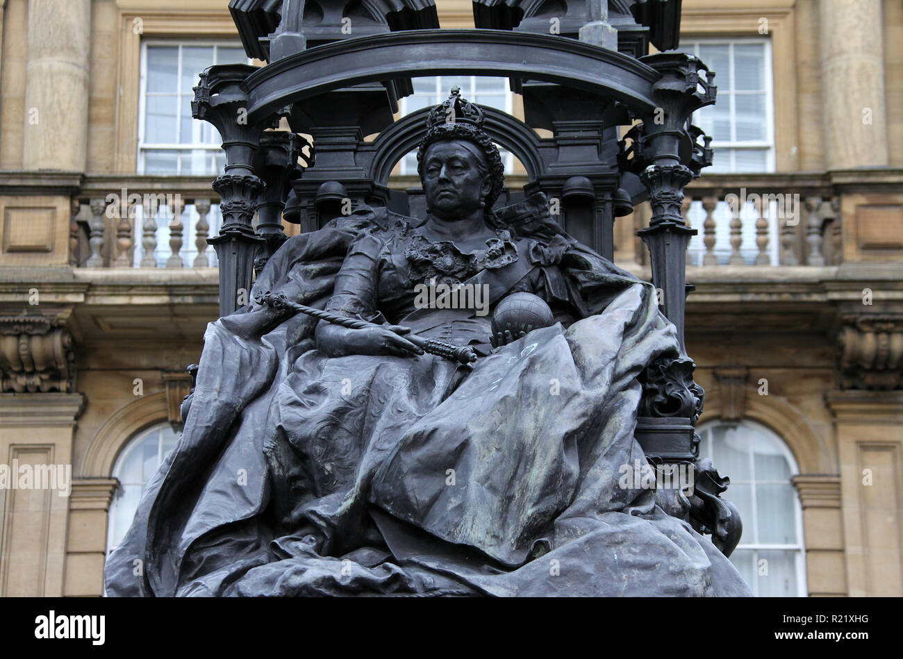 Queen Victoria by Alfred Gilbert in the city centre of Newcastle upon Tyne - Stock Image