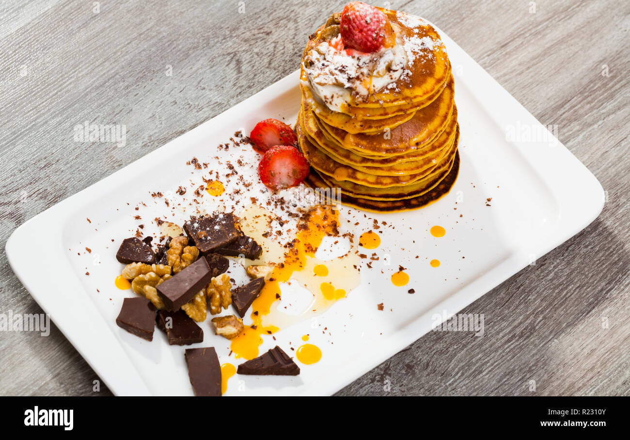 Pumpkin Pancakes Recipe Mix Pumpkin Puree With Eggs Olive Oil