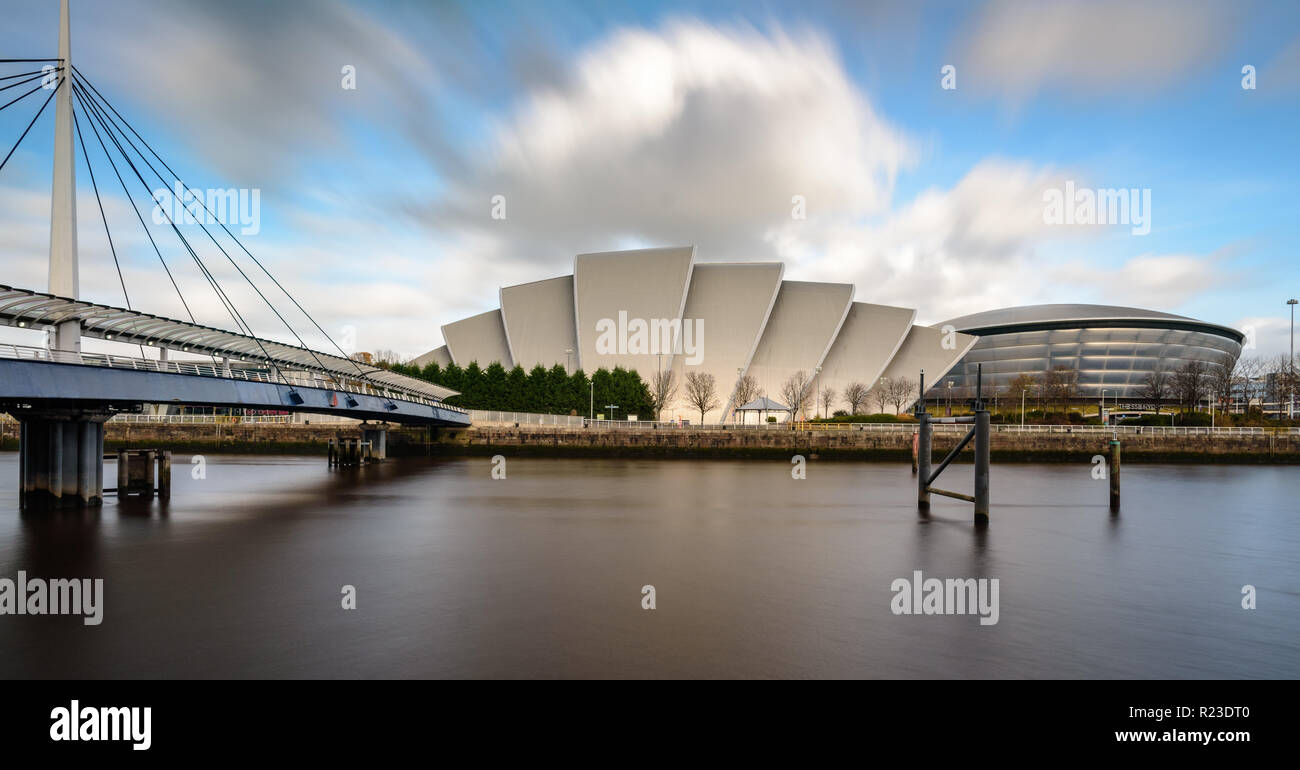 Glasgow, Scotland, UK - November 4, 2018: The River Clyde flows past the SEC Armadillo auditorium and SSE Hydro arena at Glasgow's Scottish Event Camp - Stock Image