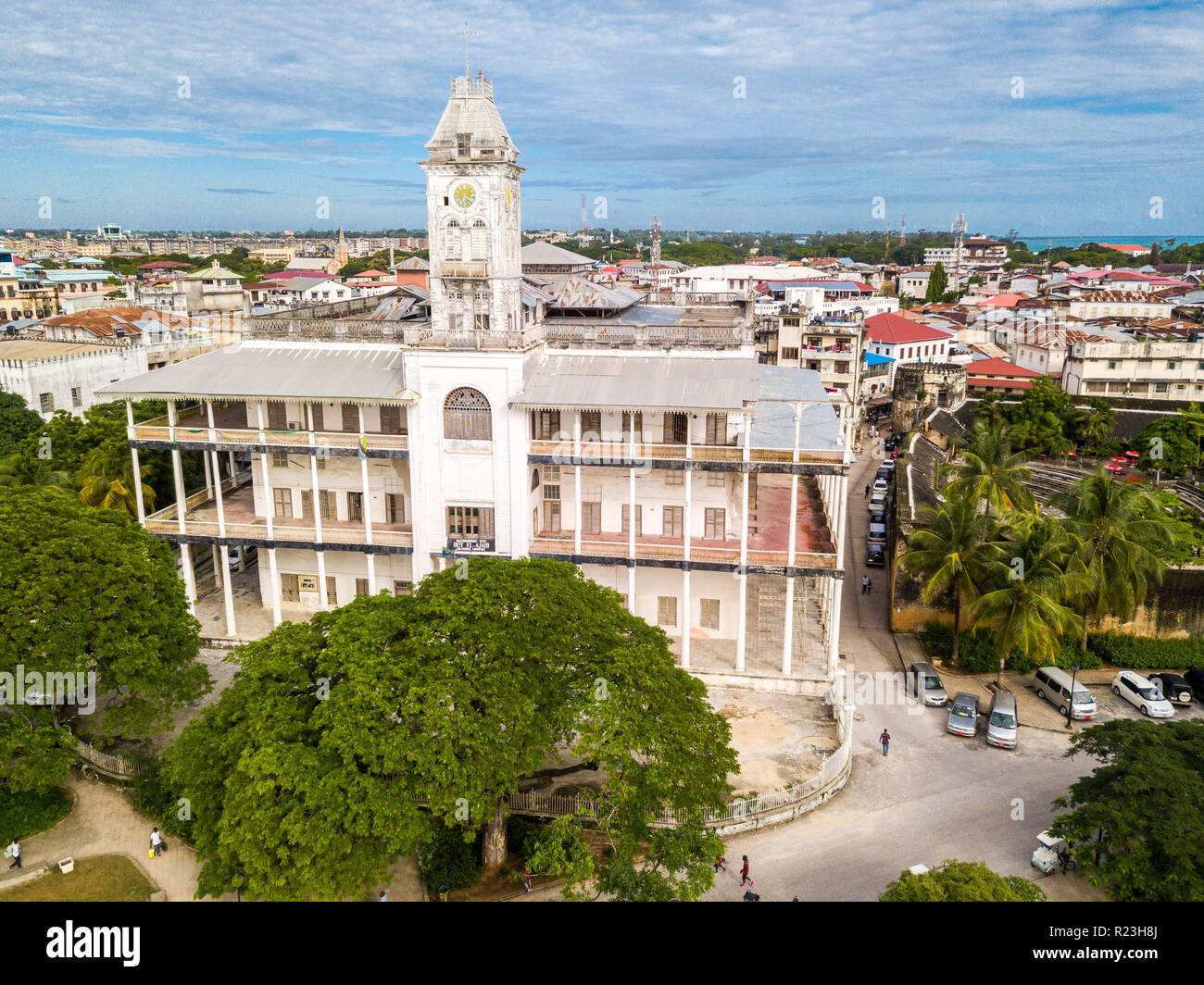 The House of Wonders. Stone Town, old colonial center of Zanzibar City, Unguja island, Tanzania. Aerial drone photo. - Stock Image