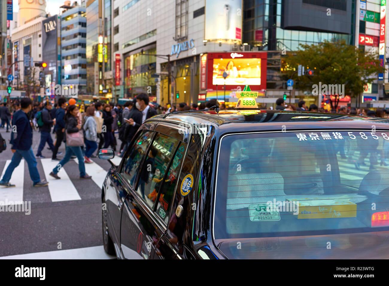 e7579ab9b Japanese taxi waiting at the Shibuya Crossing, Tokyo, Japan, Asia - Stock  Image