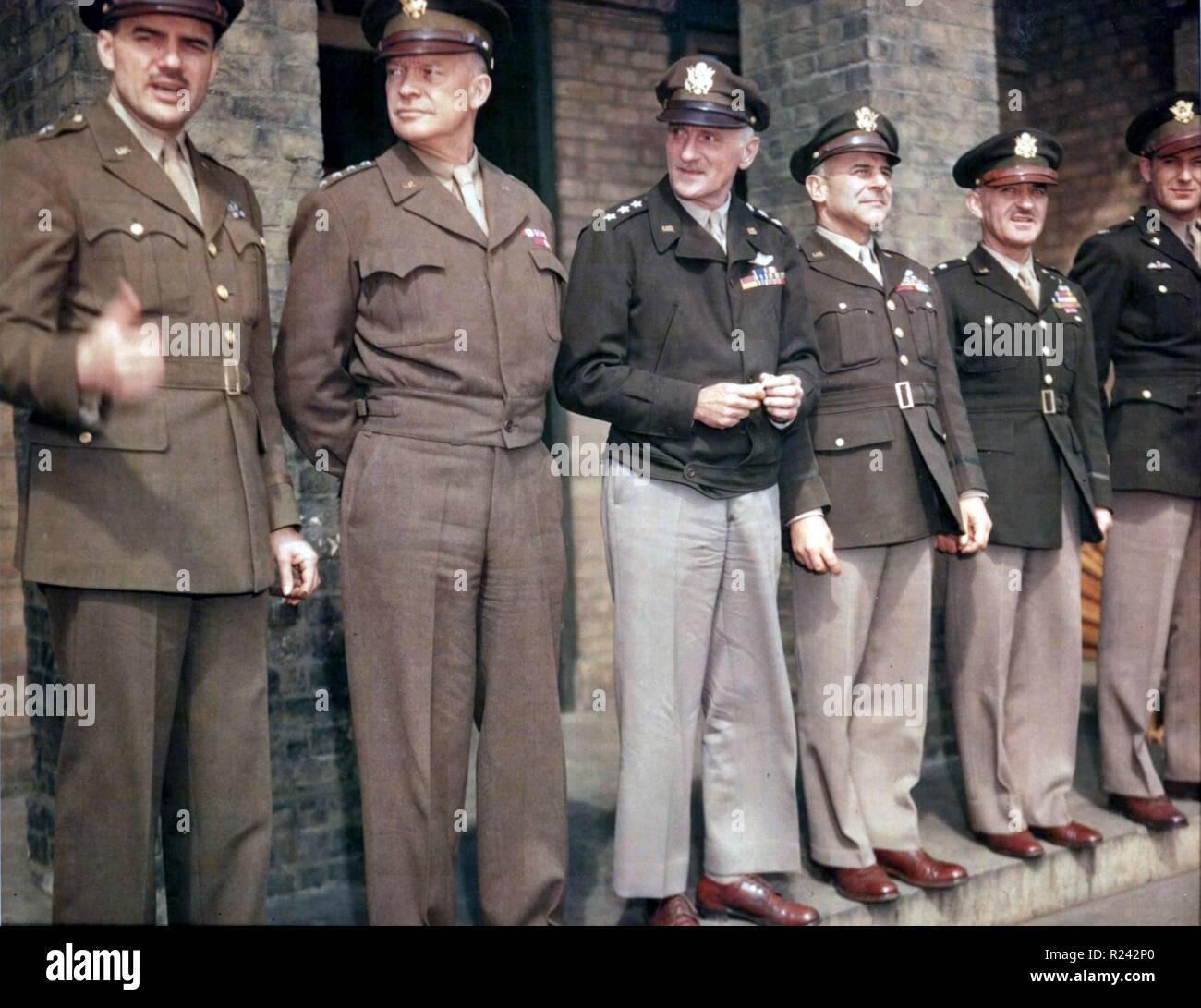 American World War Two Generals Jesse Auton, Eisenhower, Spaatz, Doolittle, Kepner and Colonel Blakeslee, 1944. Debden, England - Stock Image