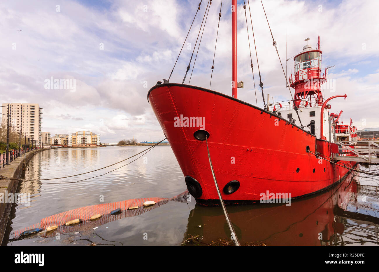 Cardiff, Wales, UK - March 17, 2013: Former Light Vessel 14, now the Lightship 2000 church project, is moored in Roath Basin in the Cardiff Docks, ami Stock Photo