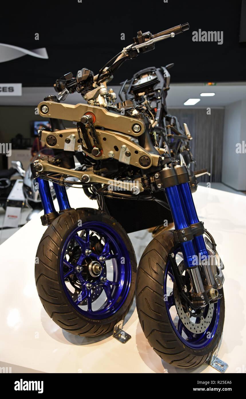 Yamaha Niken Three Wheel Motorcycle Mondial Paris Motor Show