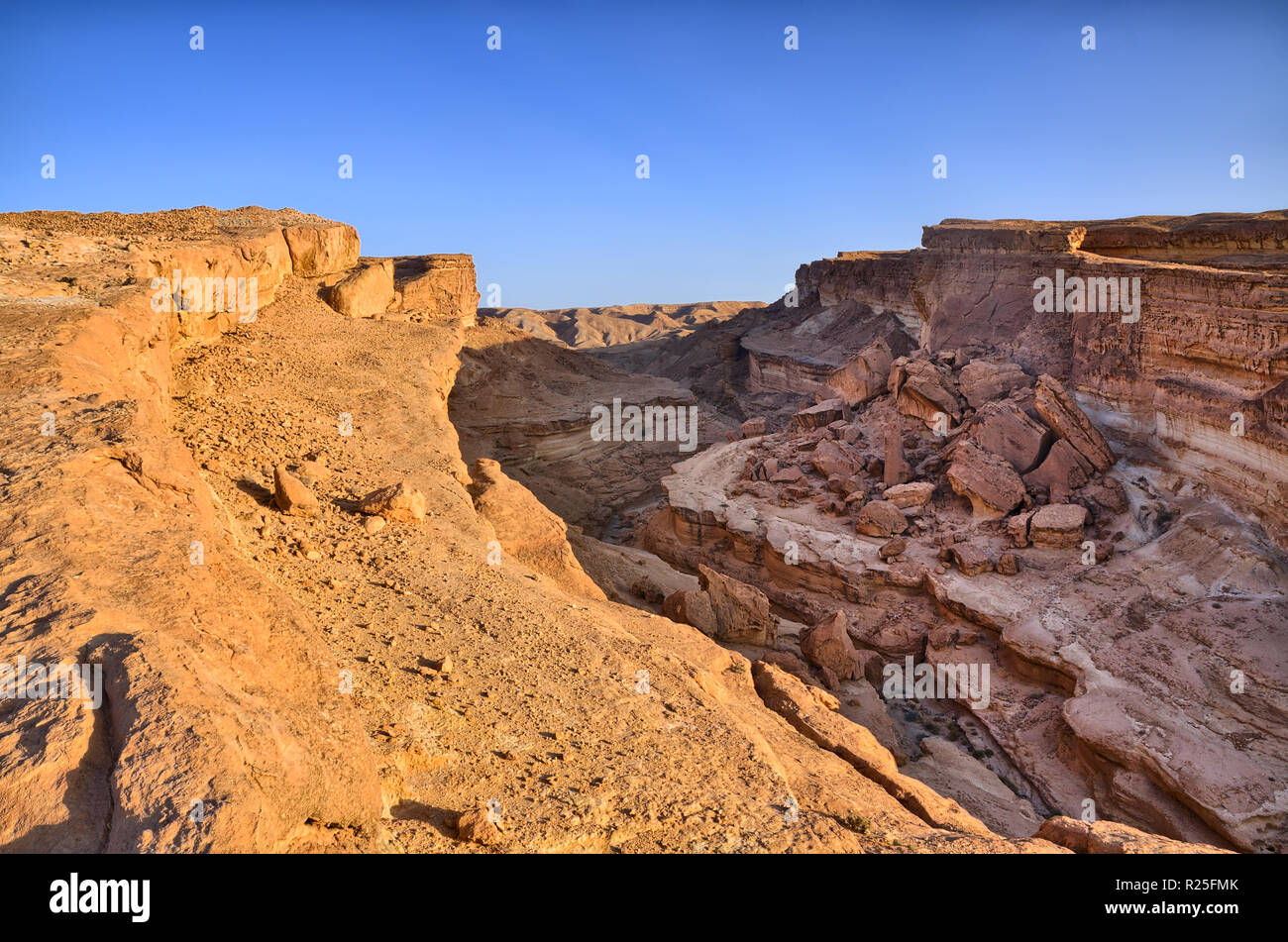 Tamerza Canyon Or Star Wars Canyon Sahara Desert Tunisia Africa Hdr Stock Photo Alamy