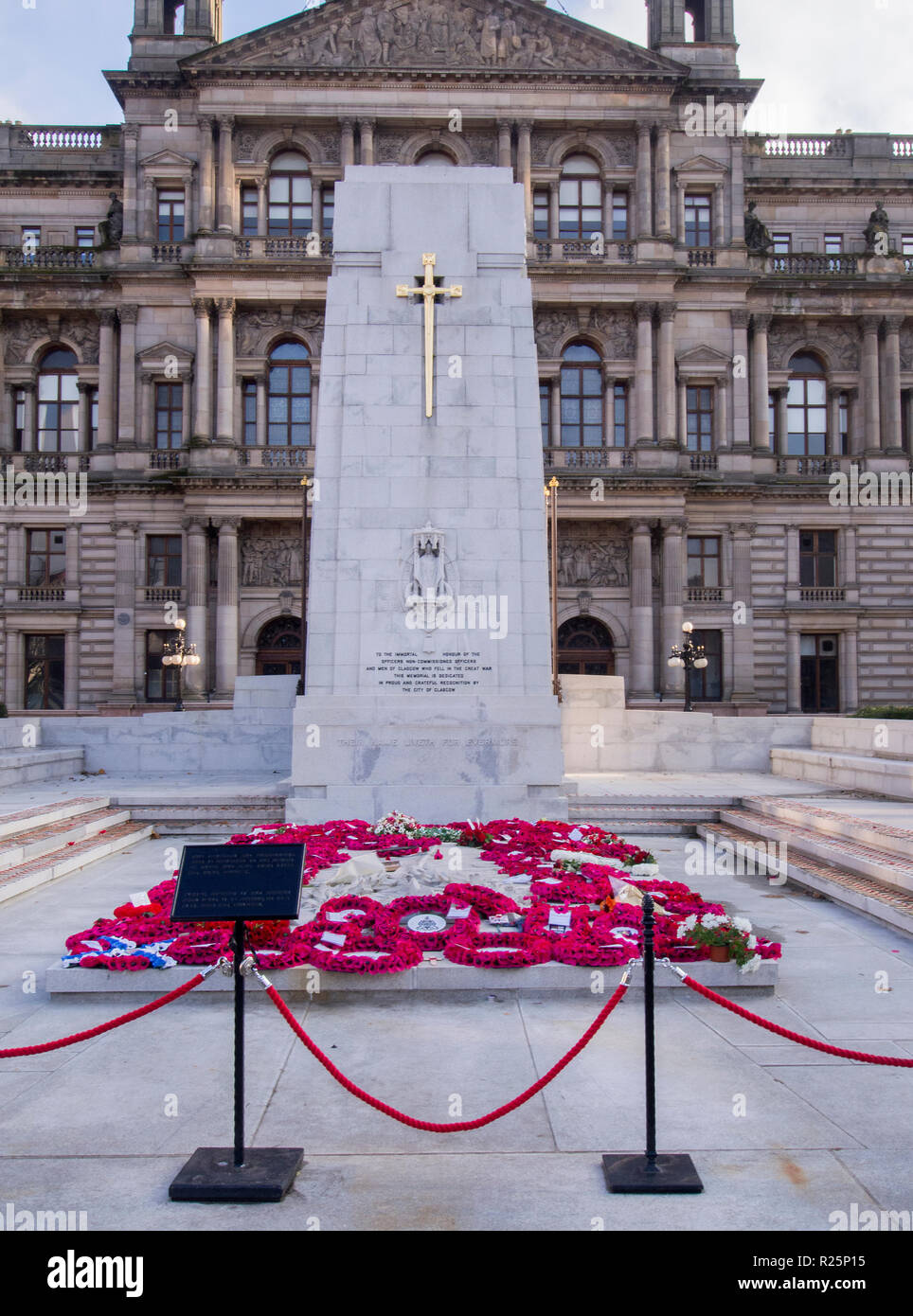 GLASGOW, SCOTLAND - NOVEMBER 2nd 2018: Flowers and poppies at the Glasgow Cenotaph. Stock Photo