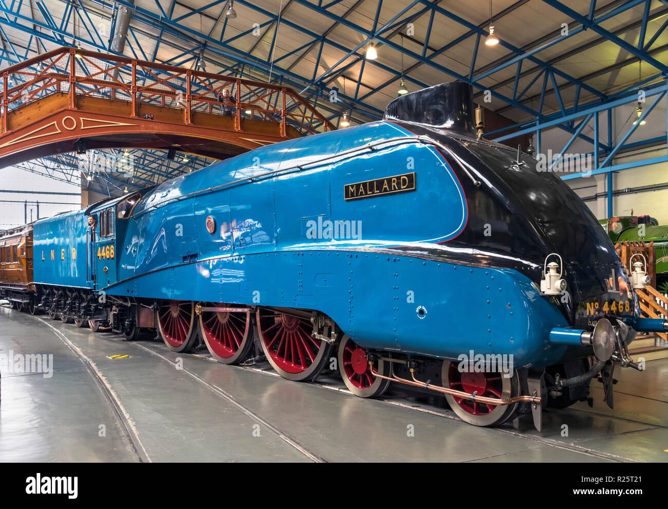 Mallard no 4468, the fastest ever steam train, in the Great Hall, National Railway Museum, York, England, UK. - Stock Image
