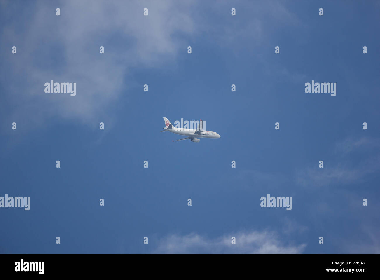 Chiangmai, Thailand - November 13 2018: B-HSD Airbus A320-200 of Dragonair. Take off from  Chiangmai airport to Hongkong airport. - Stock Image