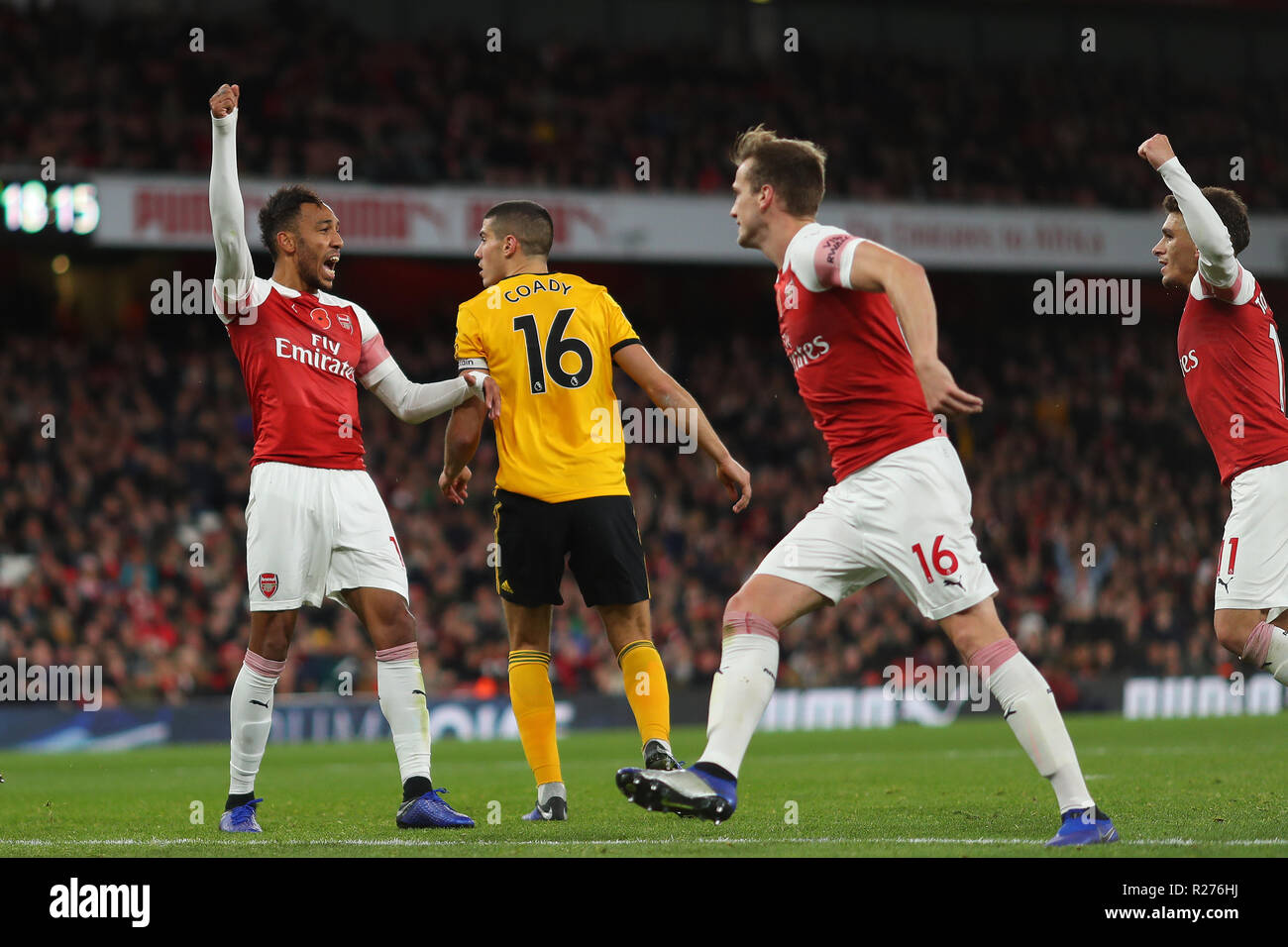 Pierre-Emerick Aubameyang of Arsenal celebrates after scoring the  equalising goal, making it 1-1 - Arsenal v Wolverhampton Wanderers, Premier  League Stock Photo - Alamy