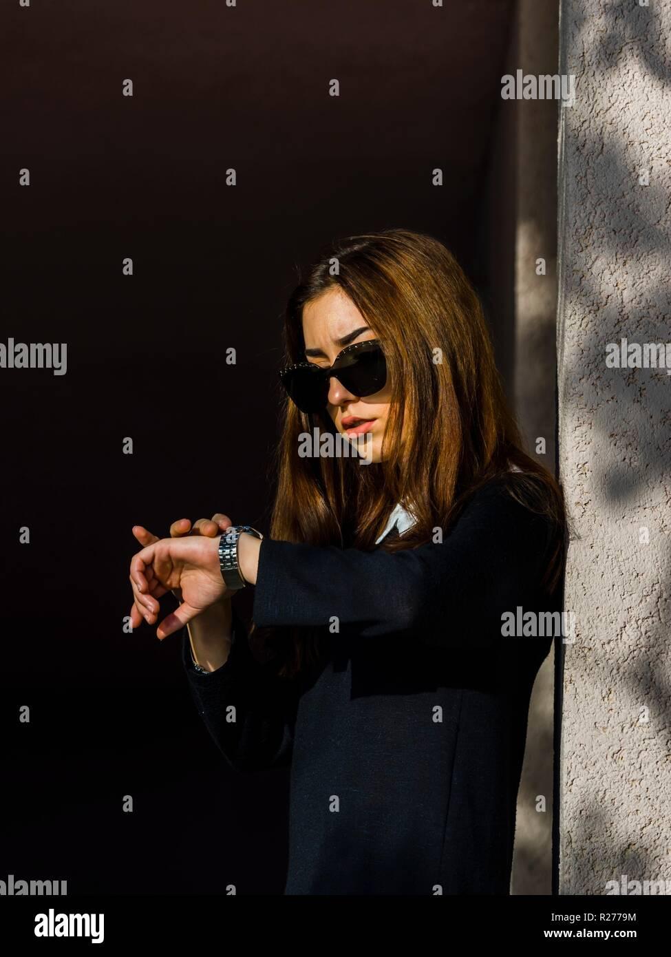 Teen girl waiting anxiously - Stock Image