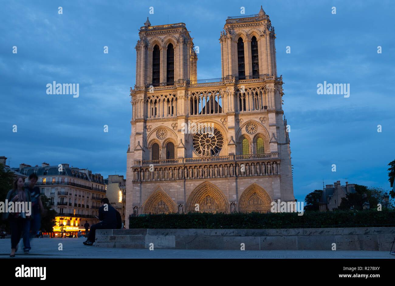 Notre-Dame de Paris cathedral at dusk, Paris, France - Stock Image
