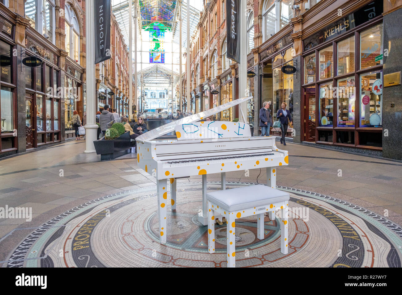 Leeds Victorian and Edwardian Shopping Arcades in the city center of Leeds. The arcades in the Victoria quarter are a center for luxury shopping - Stock Image