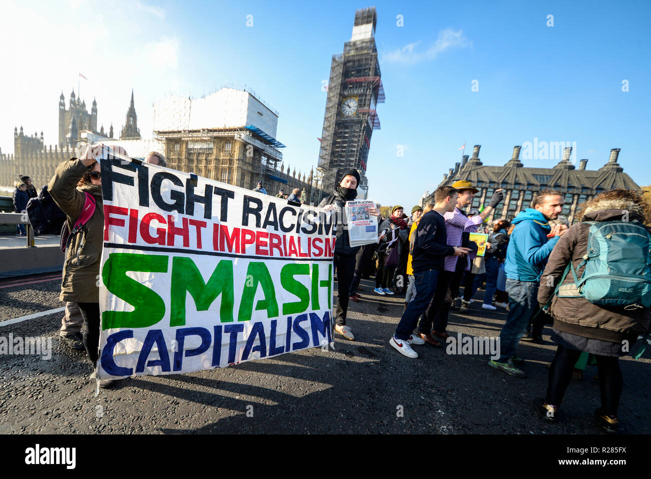 Westminster Bridge, London, UK. Organised by Extinction Rebellion, a protest is underway to 'rebel against the British Government for criminal inaction in the face of climate change catastrophe and ecological collapse'. Protesters are blocking the Thames bridges of Westminster, Waterloo, Southwark, Blackfriars and Lambeth thereby disrupting traffic - Stock Image