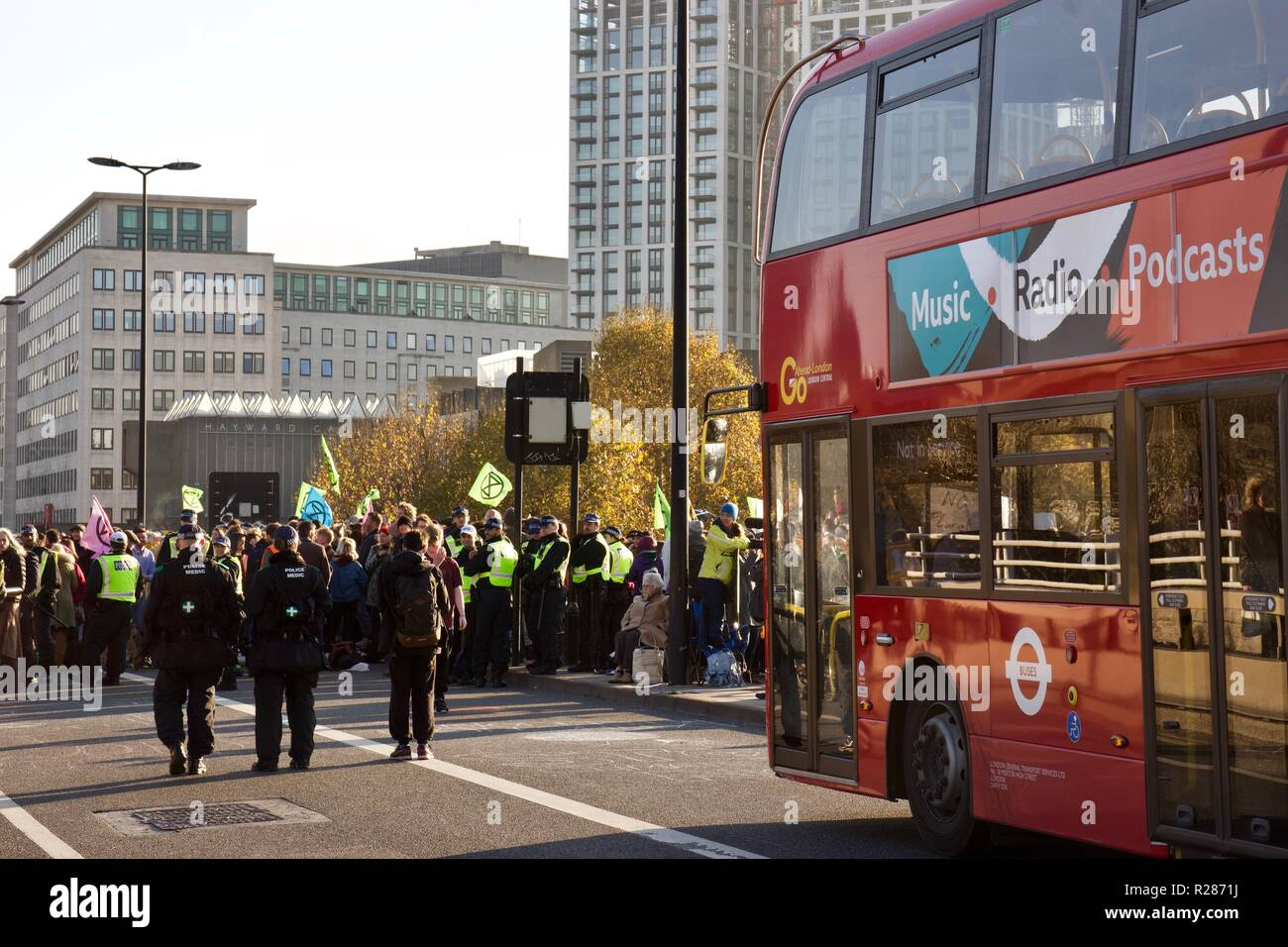 London, UK. 17th November 2018. London buses are blocked by Extinction Rebellion protests on Waterloo Bridge. Credit: Dimple Patel/Alamy Live News Stock Photo