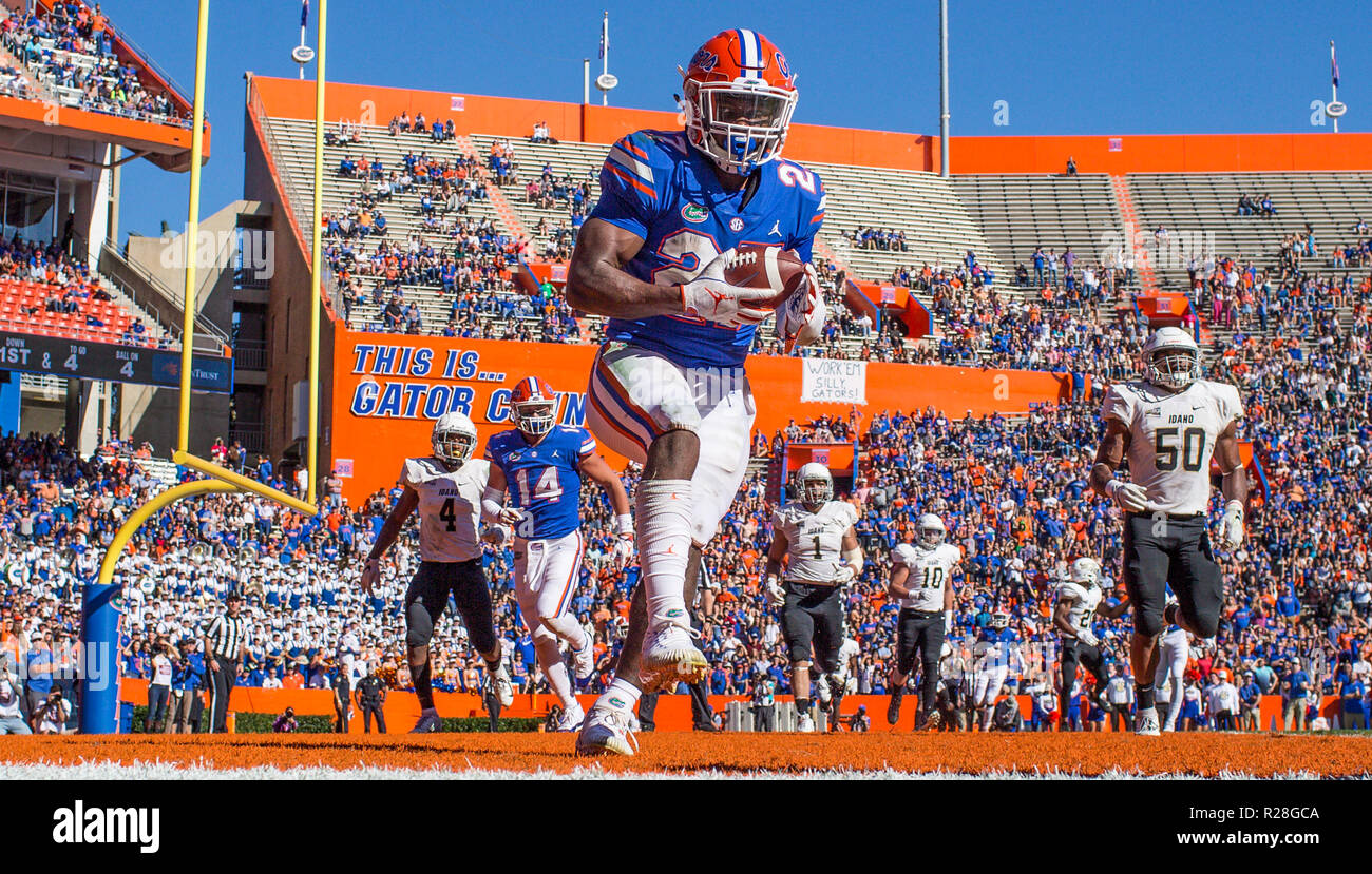 Florida Gators running back Dameon Pierce (27) catches a pass in the end  zone for a touchdown during the second half of an NCAA football game  against the ... 54fc6cb3798da