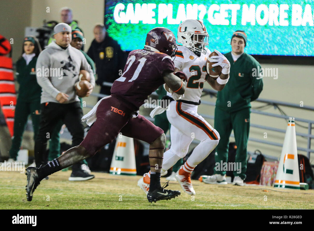 Blacksburg Va Usa 17th Nov 2018 Miami Hurricanes Running Back