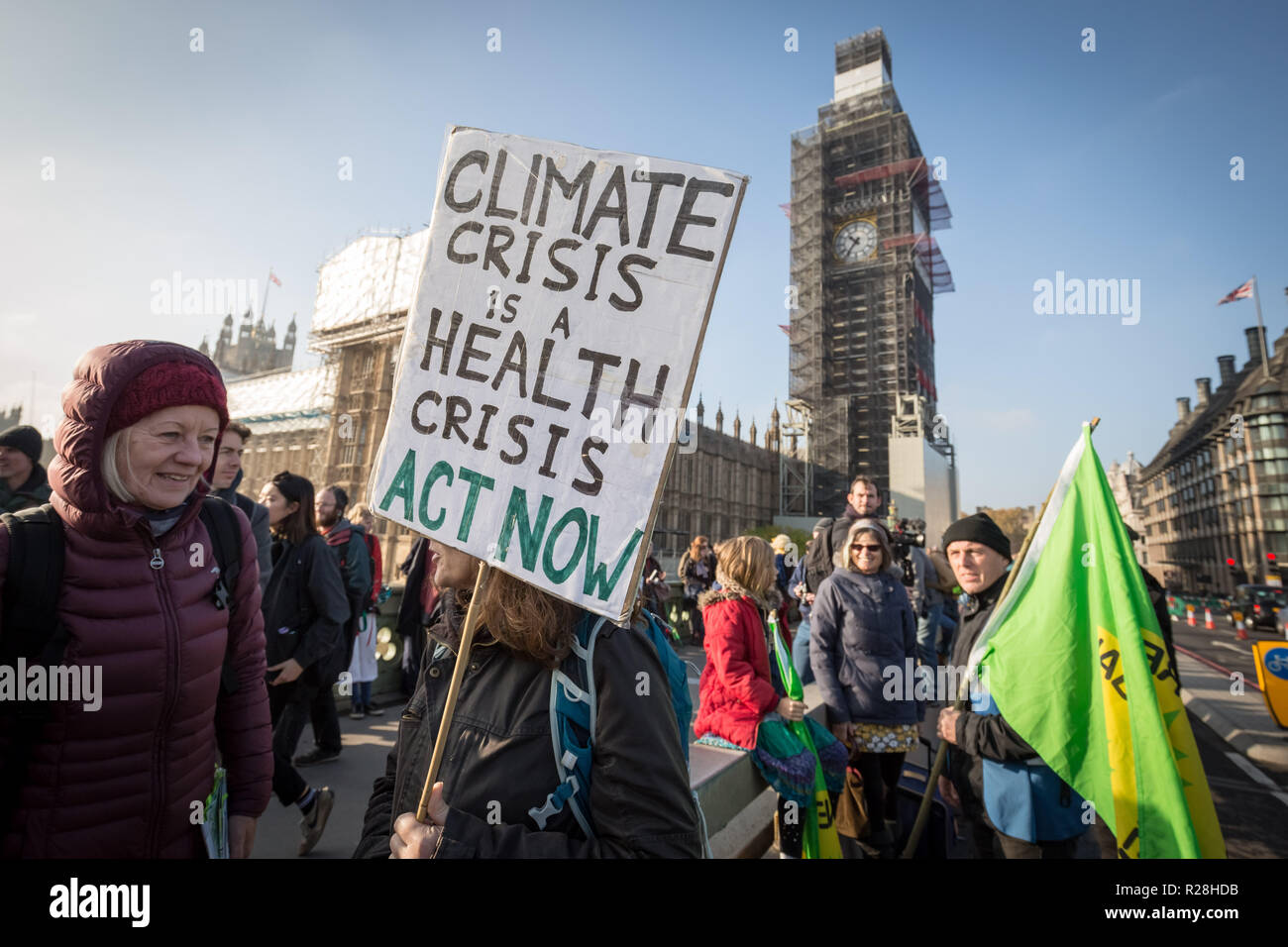 London, UK. 17th November, 2018. Environmental campaigners from Extinction Rebellion block Westminster Bridge, one of five bridges blocked in central London, as part of a Rebellion Day event to highlight 'criminal inaction in the face of climate change catastrophe and ecological collapse' by the UK Government as part of a programme of civil disobedience during which scores of campaigners have been arrested. Credit: Guy Corbishley/Alamy Live News Stock Photo