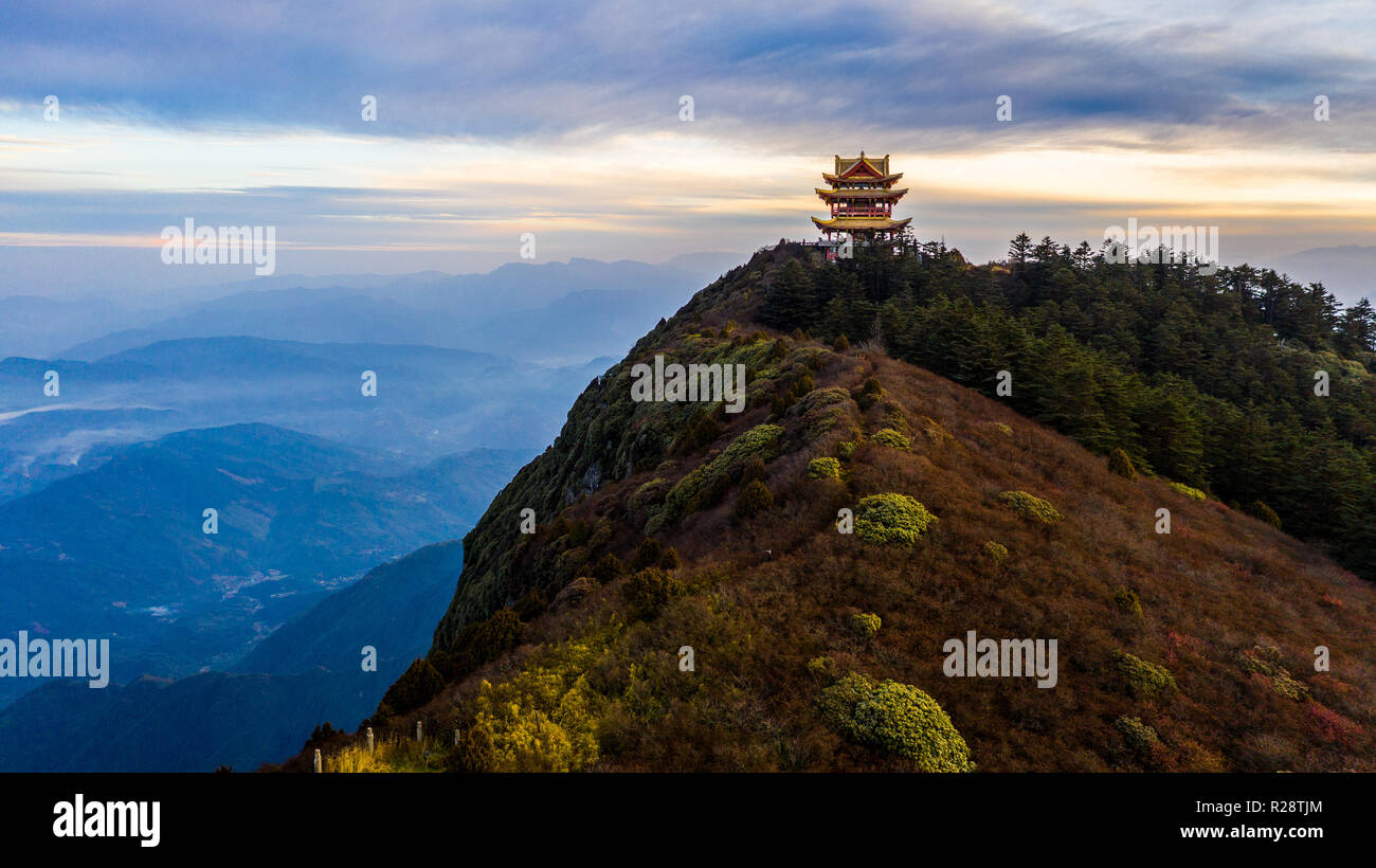 Golden temple on Wanfo Peak, Emeishan or Emei Mountain, Sichuan Province, China - Stock Image