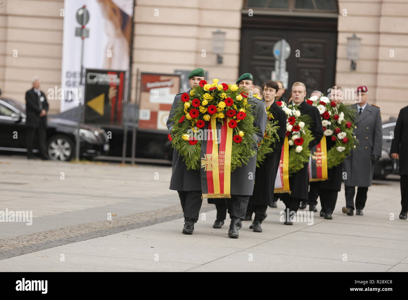 Berlin, Germany. 18th Nov, 2018. Chancellor Angela Merkel attends the commemoration events for the Memorial Day. Together with the French President Emmanuel Macron, Federal President Frank-Walter Steinmeier and representatives of the constitutional bodies of the Federal Council, Bundestag and Federal Constitutional Court she will lay down wreaths in Berlin. Credit: Simone Kuhlmey/Pacific Press/Alamy Live News - Stock Image
