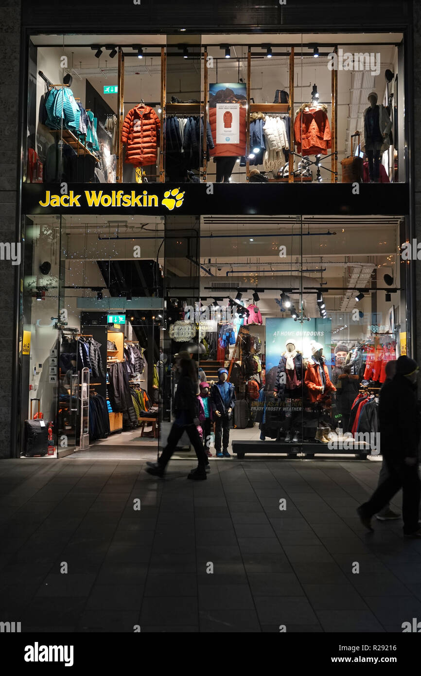 exquisite design brand new look for Jack Wolfskin Stock Photos & Jack Wolfskin Stock Images - Alamy