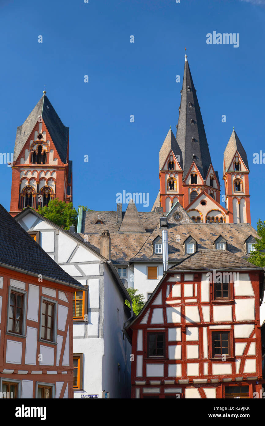 Cathedral (Dom) and half-timbered buildings, Limburg, Hesse, Germany - Stock Image