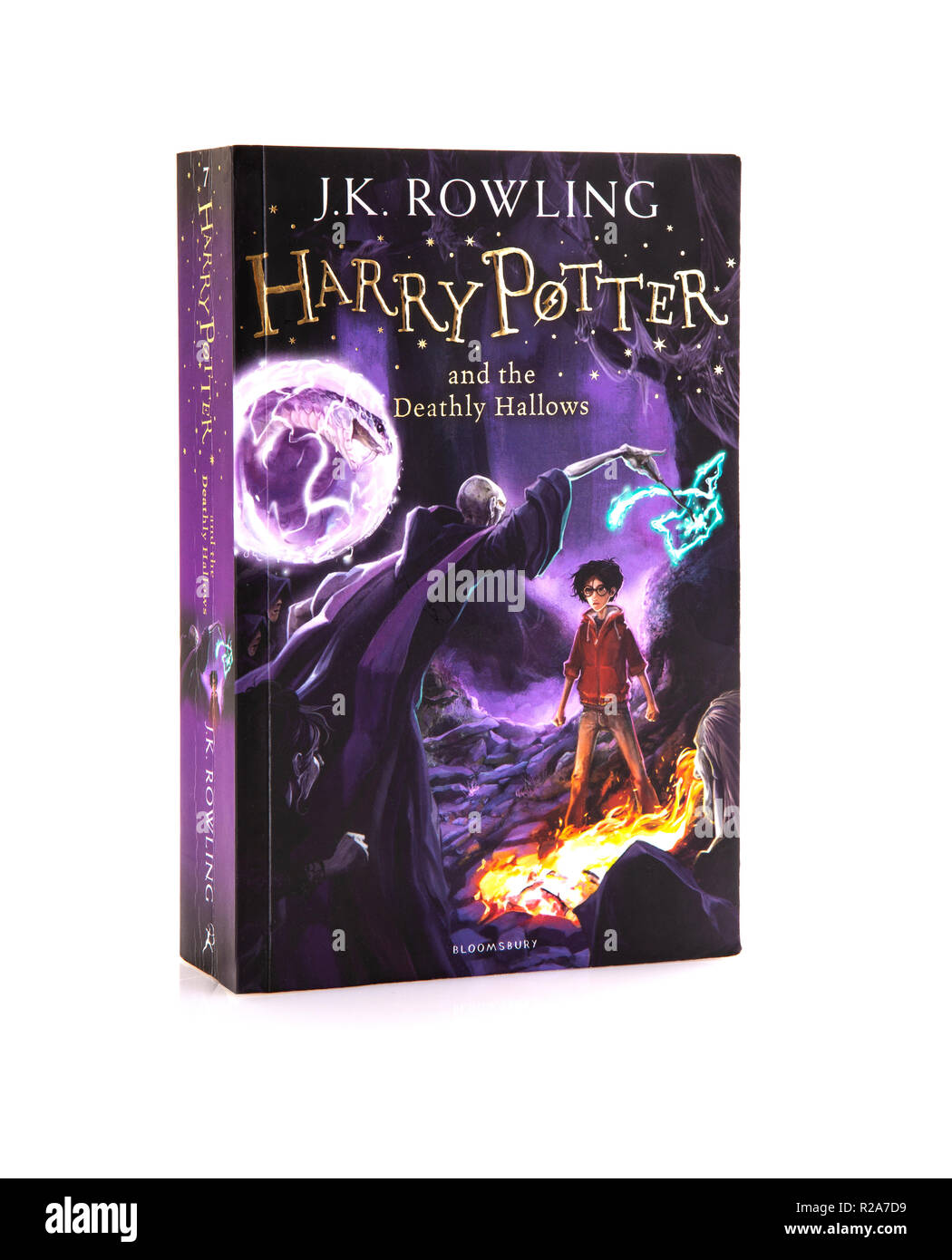 SWINDON, UK - NOVEMBER 18, 2018: Harry Potter And The Deathly Hallows Paperback Edition on a white background - Stock Image