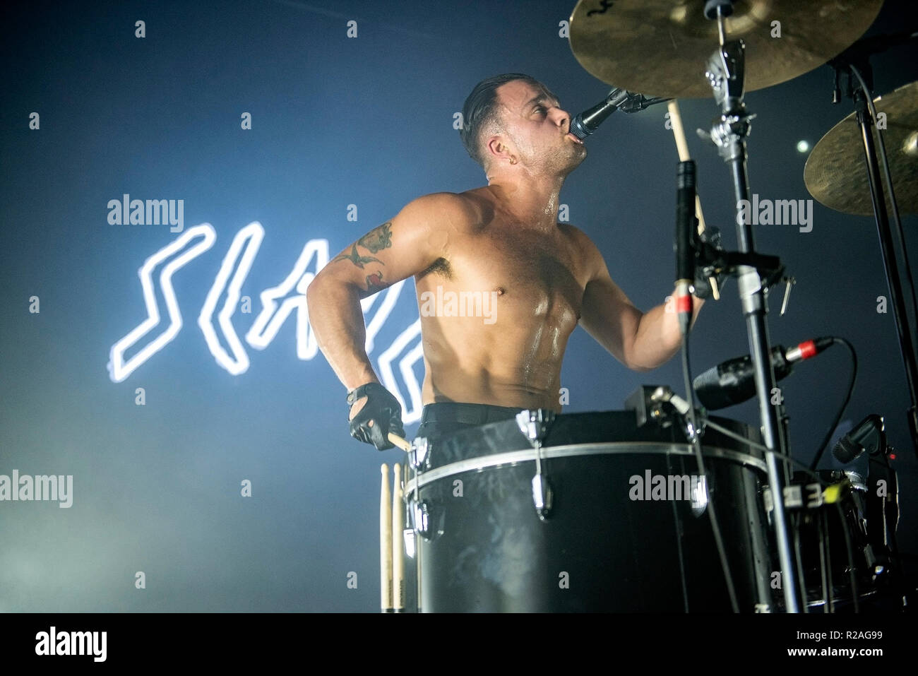 Manchester, UK. 17th November 2018. Isaac Hoffman and Laurie Vincent of Slaves perform at the Manchester Academy on their UK tour, Manchester 17/11/2018 Credit: Gary Mather/Alamy Live News - Stock Image