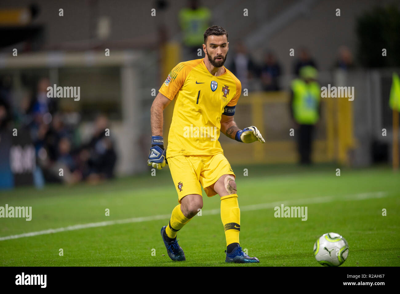 Milan, Italy. 17th Nov, 2018. Rui dos Santos Patricio (Portugal) during the UEFA Nations League 2018-2019 match between Italy 0-0 Portugal at Giuseppe Meazza Stadium on November 17, 2018 in Milano, Italy. Credit: Maurizio Borsari/AFLO/Alamy Live News Stock Photo
