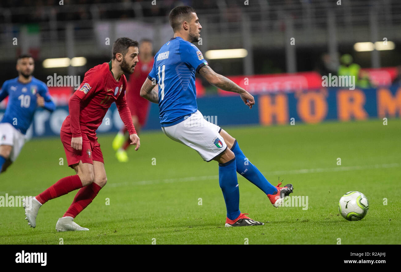 Milan, Italy. 17th Nov, 2018. Bernardo Silva (Portugal) and Federico Chiesa (Italy) during the UEFA Nations League 2018, League A, Group 3 football match between Italy and Portugal on November 17, 2018 at Giuseppe Meazza stadium in Milan, Italy - Photo Laurent Lairys / DPPI Credit: Laurent Lairys/Agence Locevaphotos/Alamy Live News Stock Photo