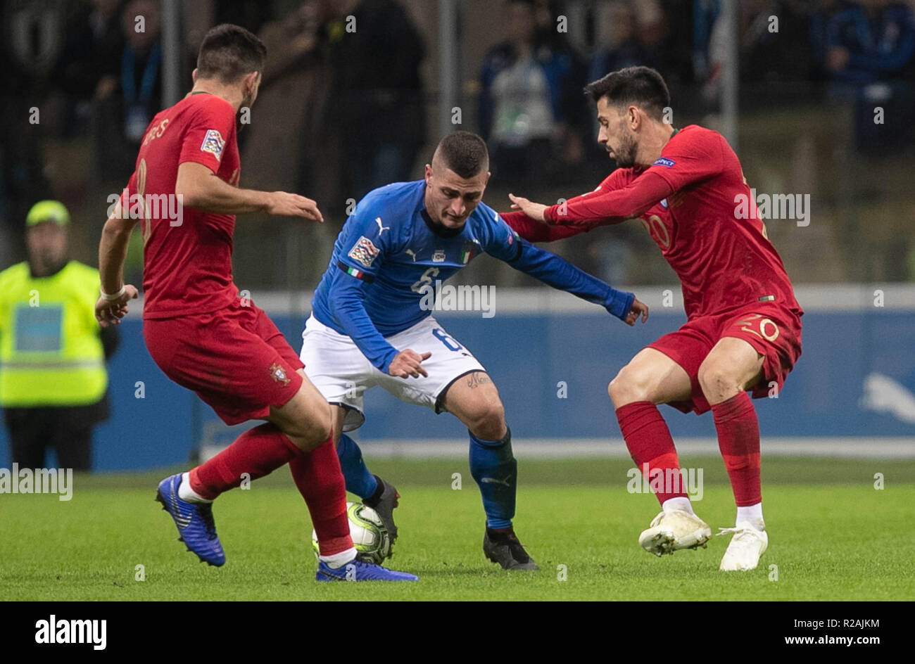 Milan, Italy. 17th Nov, 2018. Pizzi (Portugal) and Marco Verratti (Italy) during the UEFA Nations League 2018, League A, Group 3 football match between Italy and Portugal on November 17, 2018 at Giuseppe Meazza stadium in Milan, Italy - Photo Laurent Lairys / DPPI Credit: Laurent Lairys/Agence Locevaphotos/Alamy Live News Stock Photo