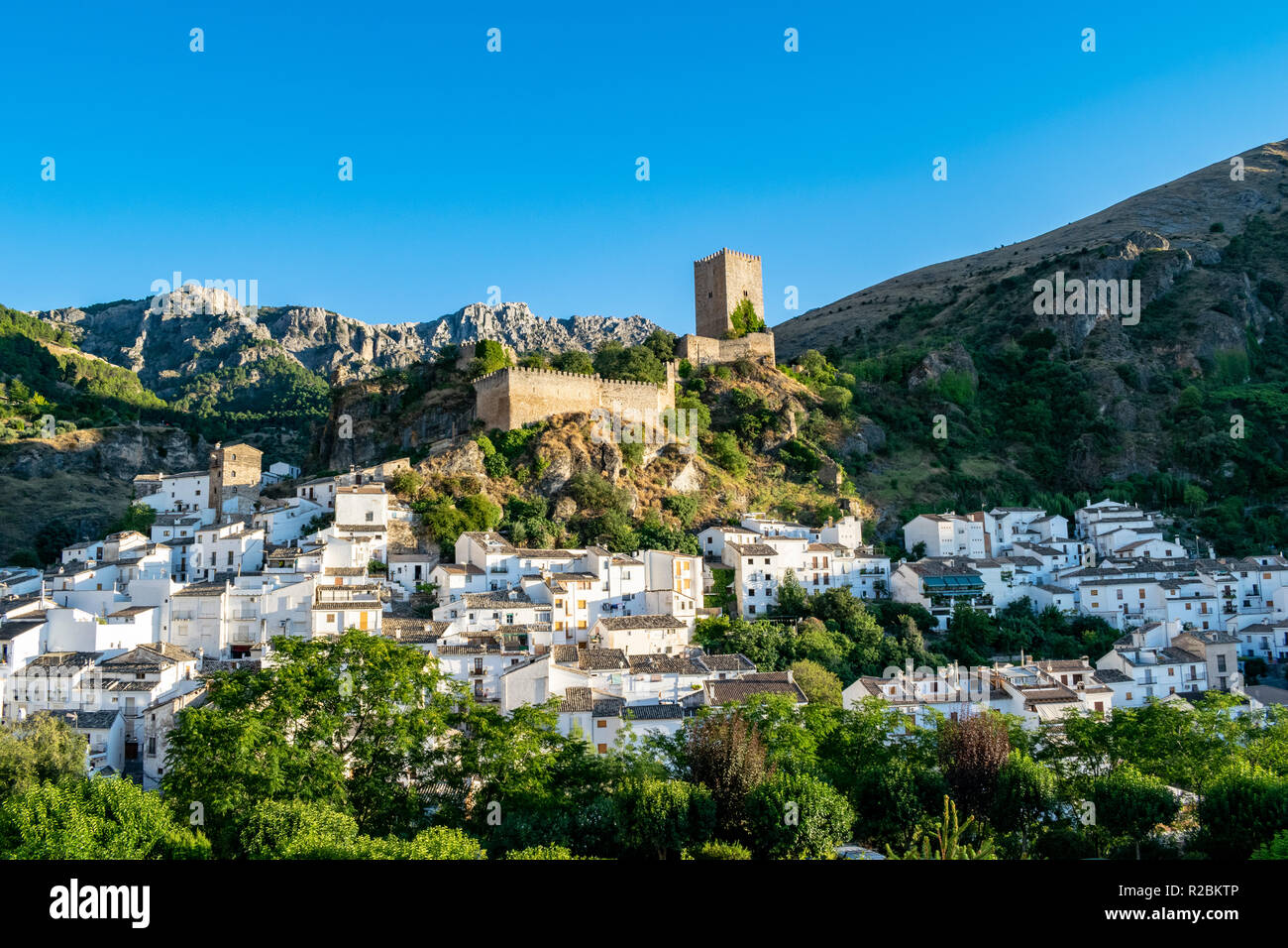 an amazing view of the practically the whole town of Cazorla in southern Spain including the main castle ruins and surrounding mountain peaks - Stock Image