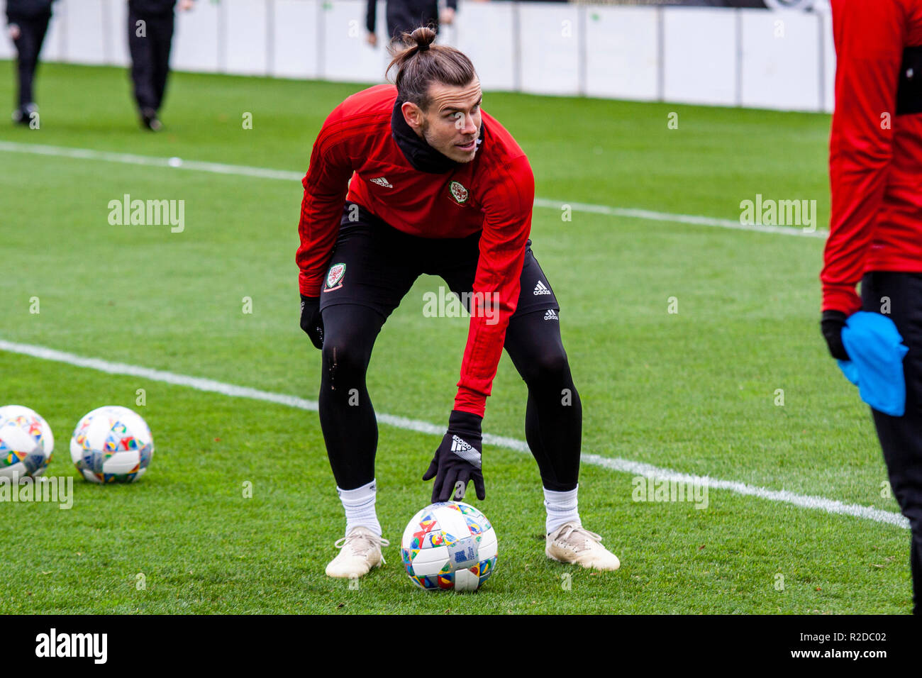 Cardiff, Wales. 15th November, 2018. Wales Gareth Bale trains ahead of their upcoming friendly against Albania. Lewis Mitchell/YCPD. Credit: Lewis Mitchell/Alamy Live News Stock Photo