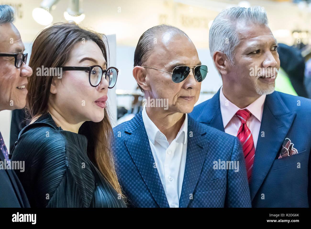 Kuala Lumpur Malaysia 19th November 2018 Obe Datuk Jimmy Choo 2r Famous Shoe Designer Is At Kuala Lumpur Malaysia Fashion Week 2018 C Danny Chan Alamy Live News Stock Photo Alamy