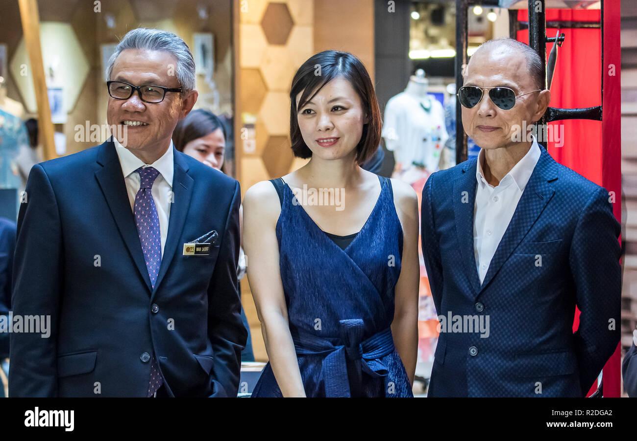Kuala Lumpur Malaysia 19th November 2018 Obe Datuk Jimmy Choo R Famous Shoe Designer Is At Kuala Lumpur Malaysia Fashion Week 2018 C Danny Chan Alamy Live News Stock Photo Alamy