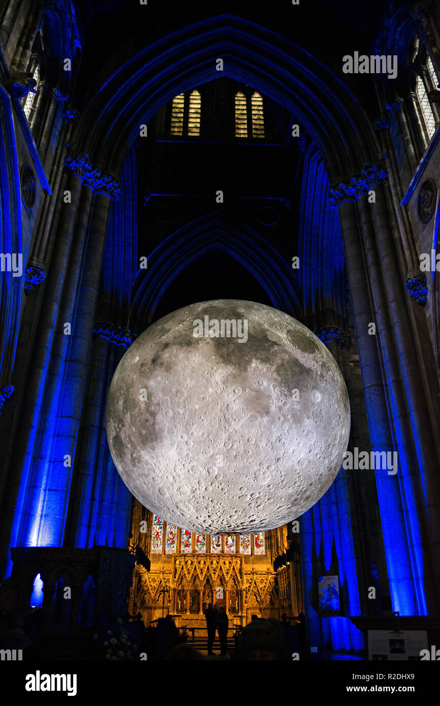 Doncaster Minster, South Yorkshire, UK . 19th November, 2018. Museum of the Moon at the Doncaster Minster, South Yorkshire, UK in November 2018 Credit: Nigel Greenstreet/Alamy Live News - Stock Image
