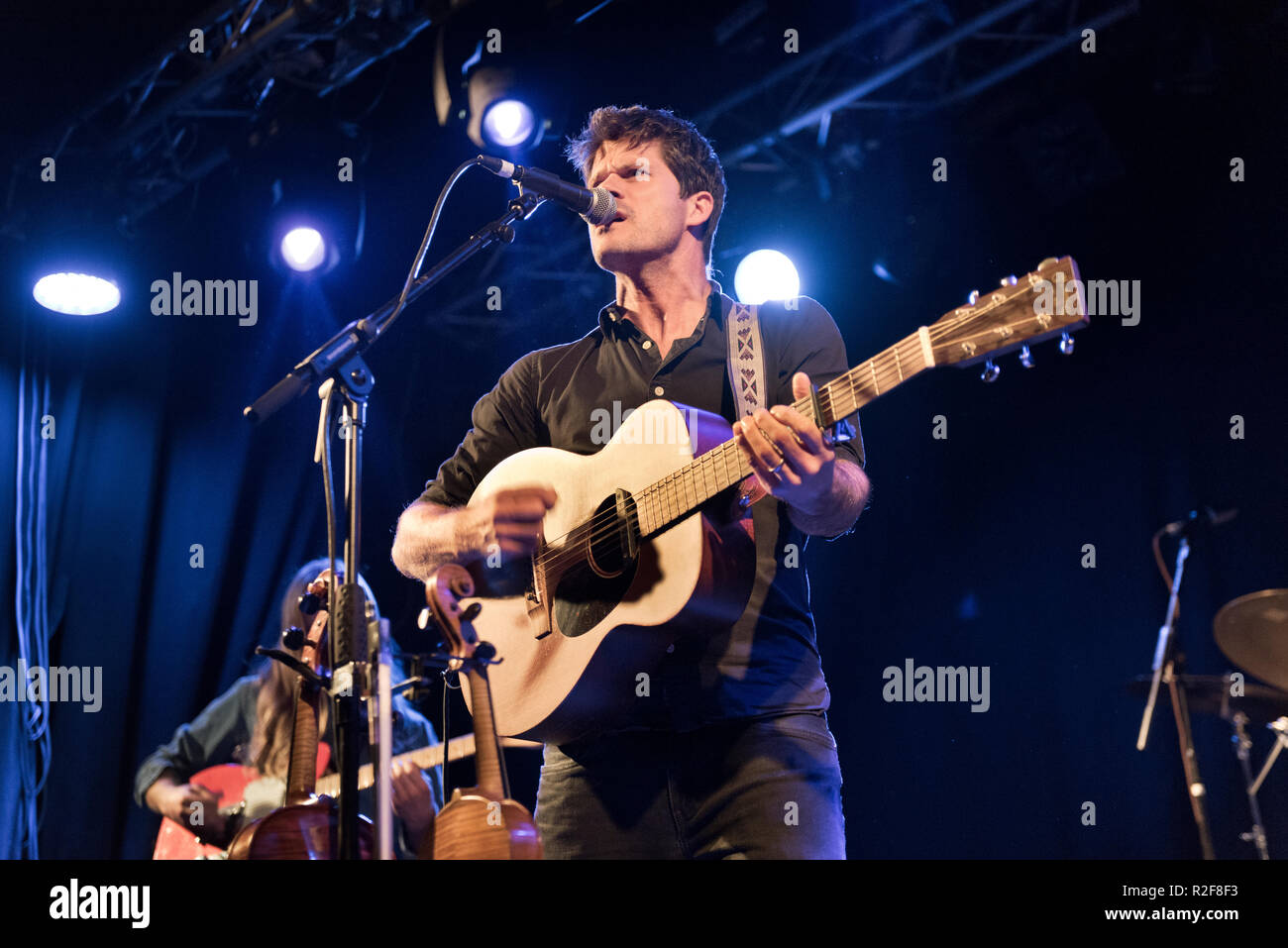 Folk-rock musician Seth Lakeman and his band in concert at Holmfirth Picturedrome, West Yorkshire, 17th November 2108 - Stock Image