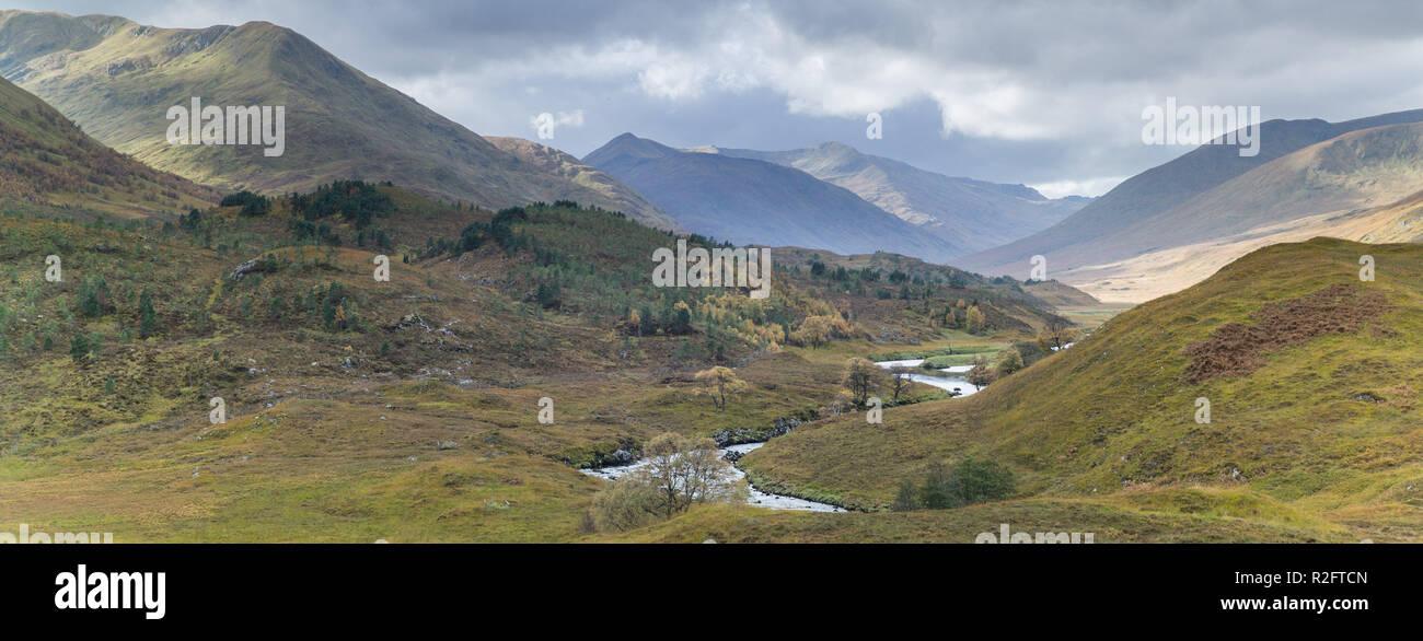 River Affric at the west end of Loch Affric Glen Affric, Highlands, Scotland. - Stock Image