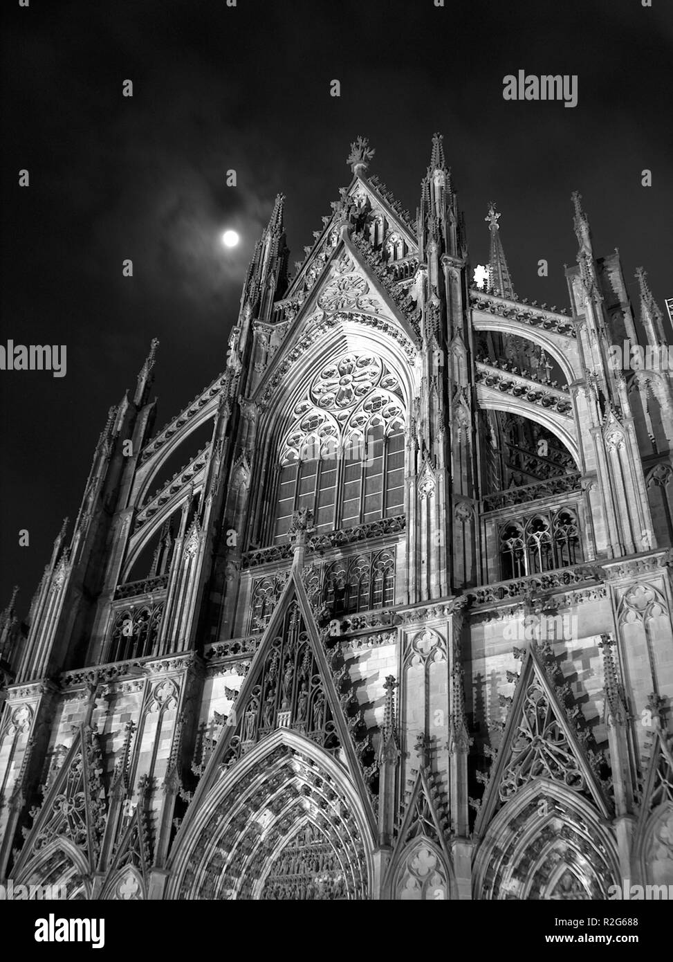 cologne cathedral at full moon - Stock Image