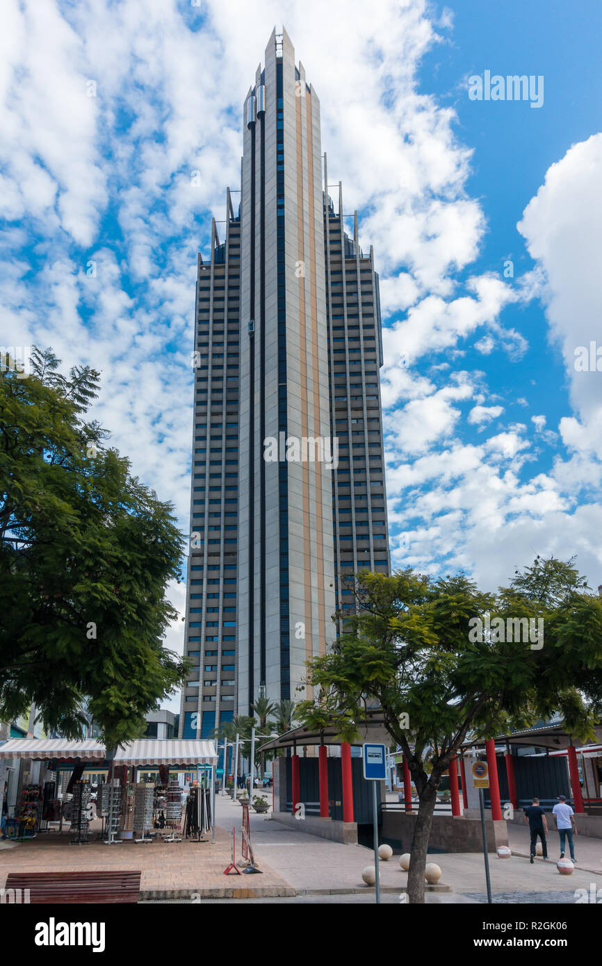 The Gran Hotel Bali Hotel In Benidorm Spain It Is 186 Metres High 210 Metres Including The Mast Stock Photo Alamy
