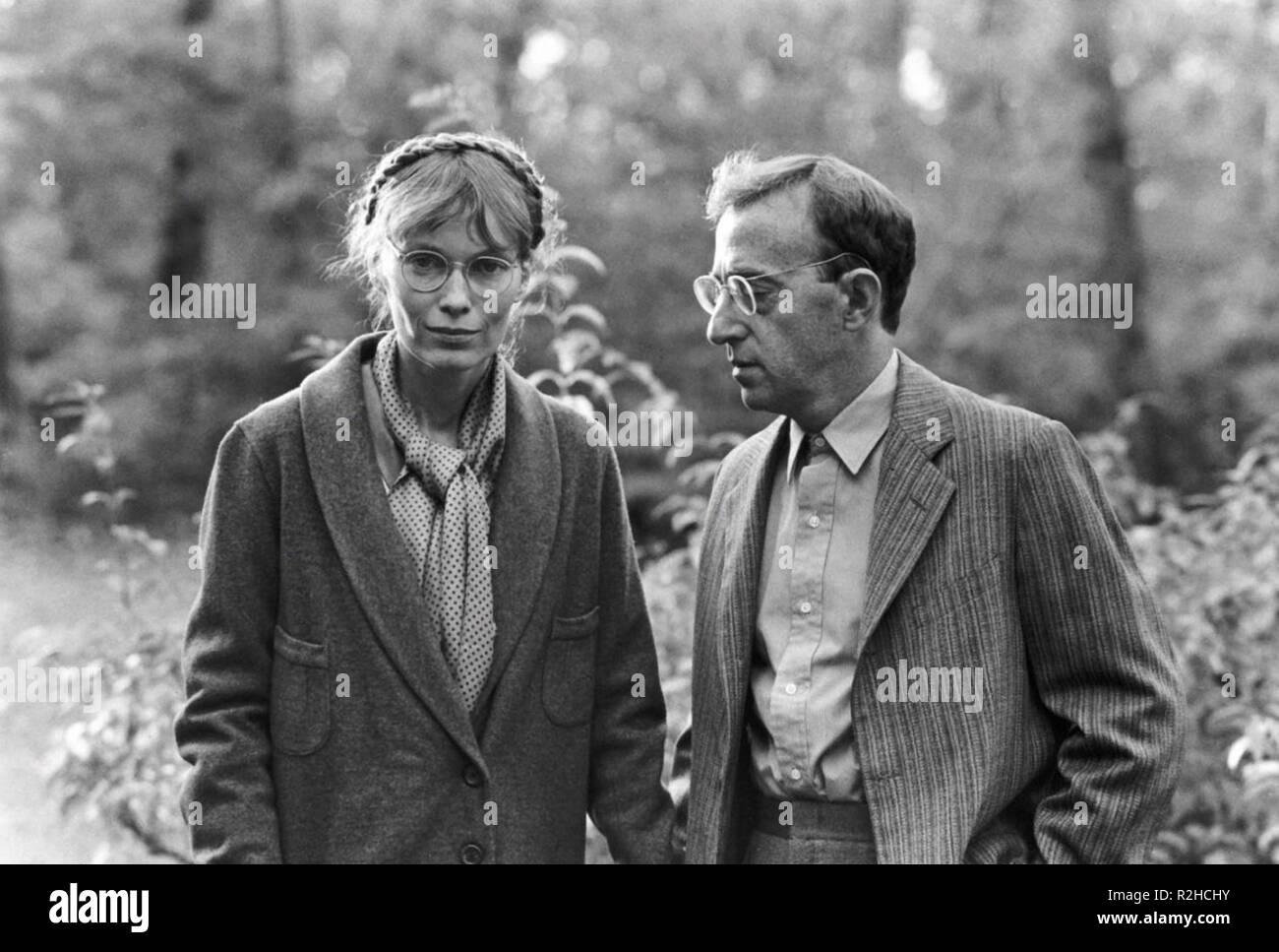 Zelig Year : 1983 USA Director : Woody Allen Mia Farrow, Woody Allen - Stock Image