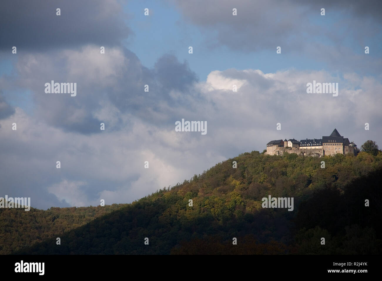 Palais Waldeck at the lake called Edersee - Stock Image