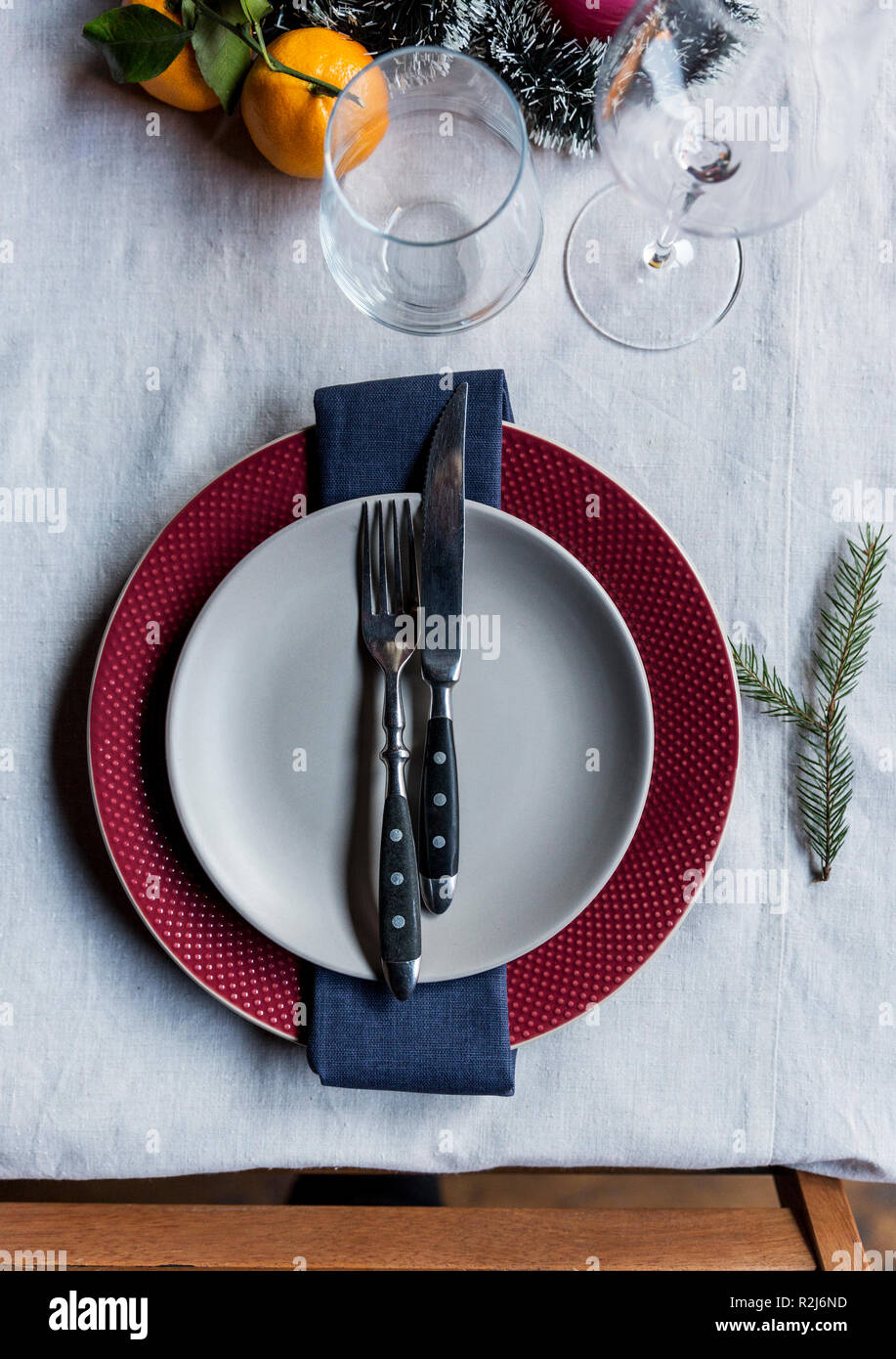 Fantastic Christmas And New Years Serving Plate Gray Plate On Red Download Free Architecture Designs Grimeyleaguecom