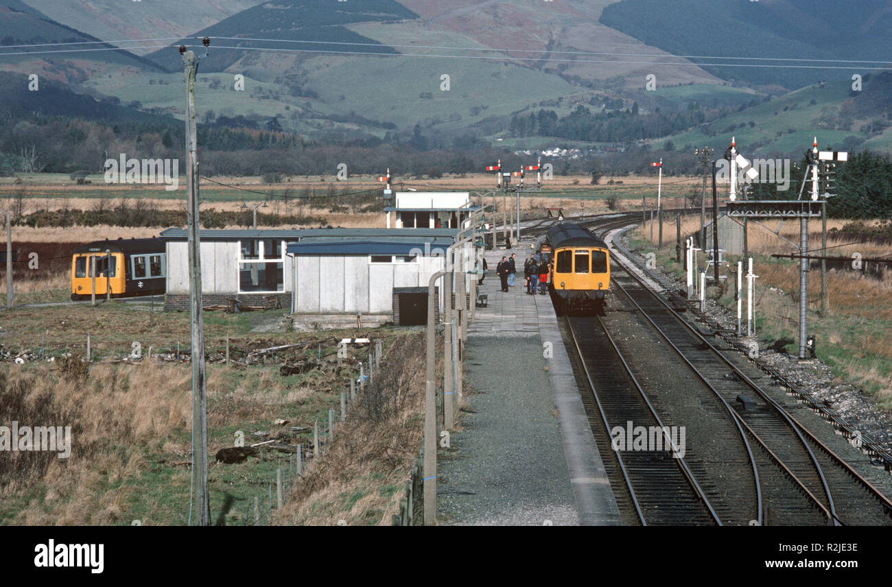 British Rail Diesel Multiple Unit, DMU, train at Dovey Junction, on the Dovey Junction to Pwllheli Cambrian Coast railway line, Wales, Great Britain - Stock Image